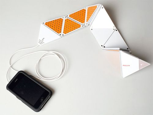 iPhone speakers designed by Chun-Chieh Yang. Each fold makes the volume increase/decrease and folds up to a small square-shaped size for easy transporting.