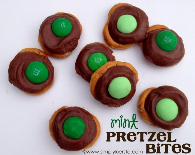 how to make rolo pretzel bites