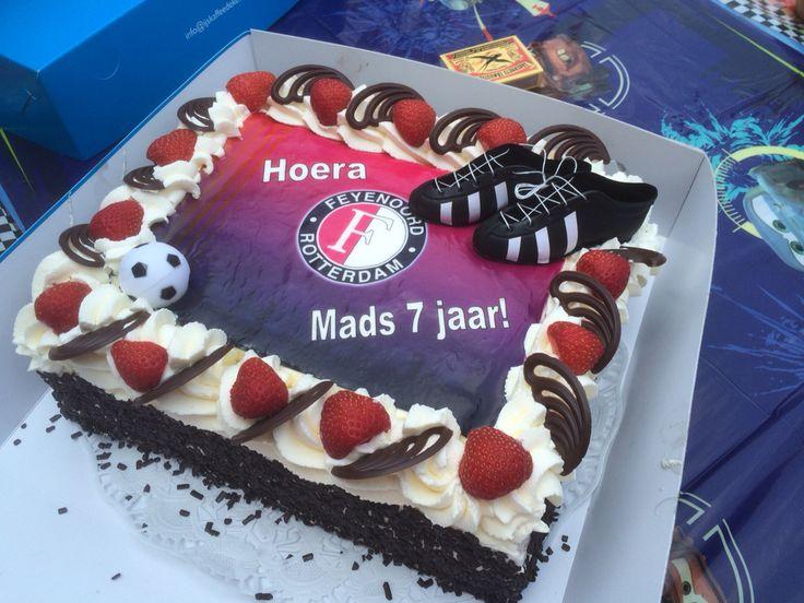 Mads wordt 7 jaar,gaan genieten van deze heerlijke taart