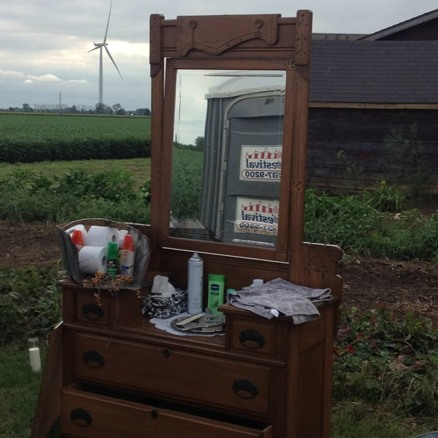 Outdoor Vanity At Wedding By The Bathrooms Outdoor Cottage Wedding Pinterest The O 39 Jays