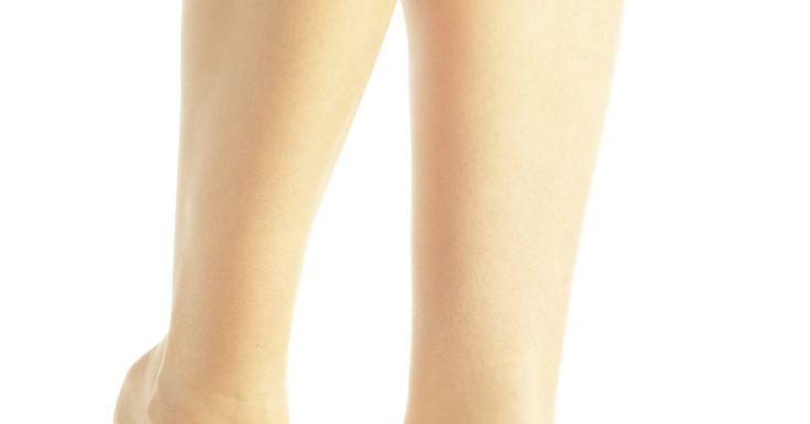 Problemas de tireoide e cãibra nas pernas. A tireoide, um pequeno órgão que envolve o seu pomo de Adão, é responsável pelo metabolismo do seu corpo. Ela se encarrega de processos celulares e da colocação de substâncias químicas nos lugares certos através de seus próprios hormônios, tri-iodotironina (T3) e tiroxina (T4). Distúrbios em função da glândula podem causar uma variedade de ...