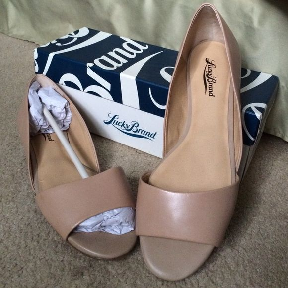 Lucky Brand Open Toe Flats Lucky Brand Open Toe Flats brand new still in box. Color is Nomad which is a light tan. Lucky Brand Shoes Flats & Loafers