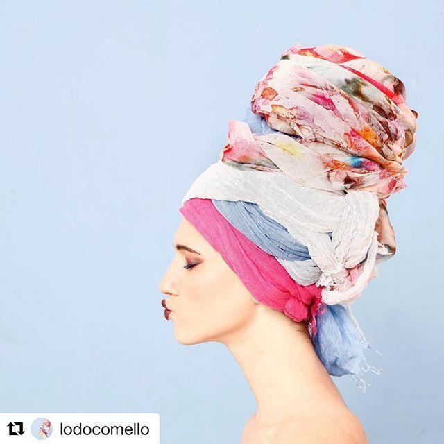 Unconventional scarves!  @lodocomello @120percento #LodovicaComello #120percento #summer #linen  #Repost @lodocomello with @repostapp ・・・ 🌸🚿 Grazie  @cosimobuccolieri  @steworld  @terryterry82 💓