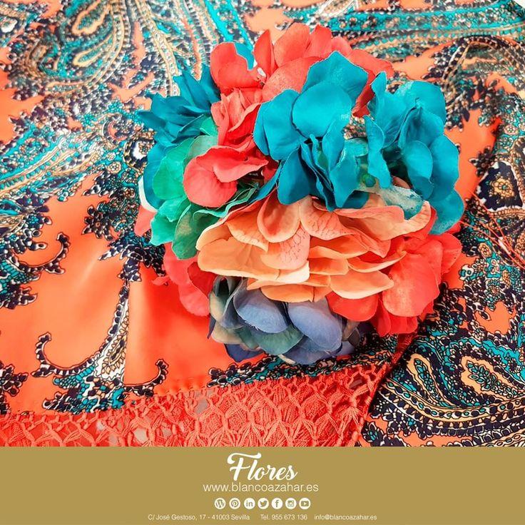 ¡Ponnos a prueba! Todos los colores en #BlancoAzahar para tu Ramillete de temporada. Llena de color tu #Fería, con nuestros #mantones y #ramilletes. ¿Qué colores serán tendencia para esta #feriadeabril2018 ?  #Sevilla #flores #floresflamenca #BlancoAzahar #ModaFlamenca