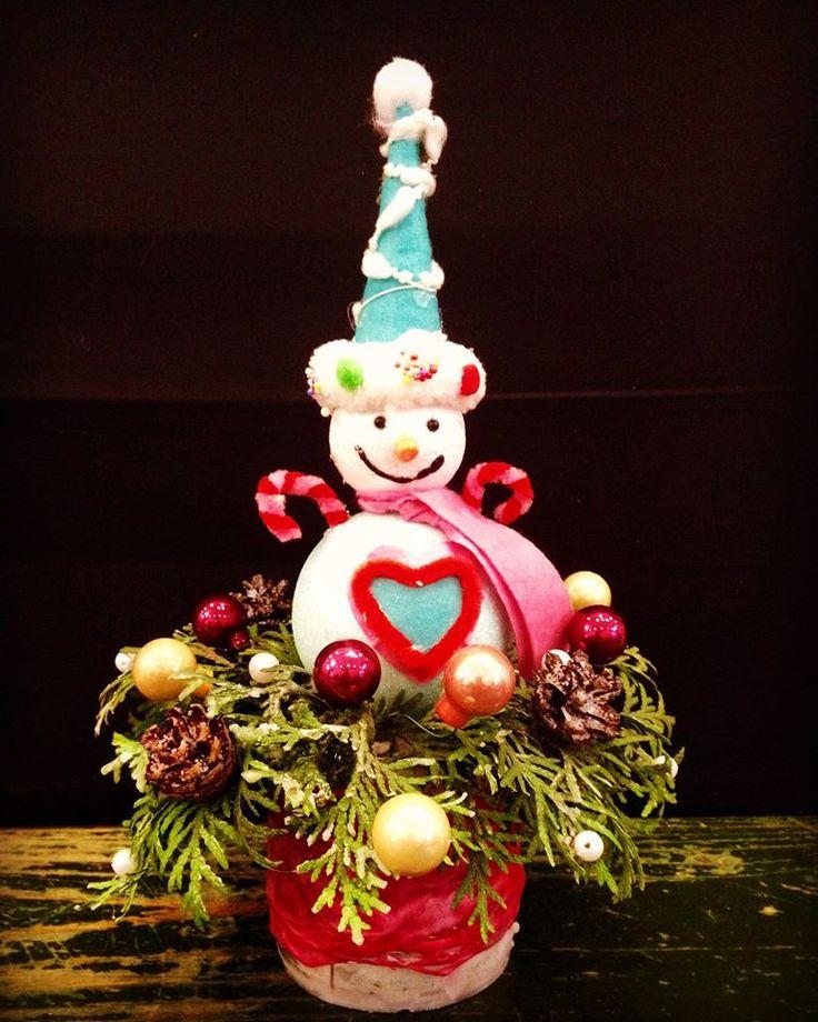 Christmas centerpiece by Atelier Floristic Aleksandra concept Alexandra Crisan