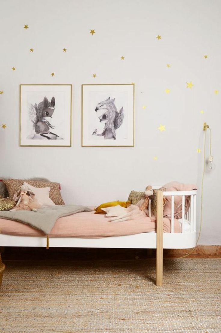 Bilder für Kinderzimmer Bett und kreative Wandgestaltung