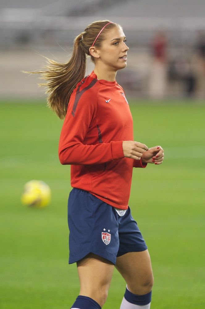 Alex Morgan warming up before the friendly against Ireland on Dec. 1, 2012, at University of Phoenix Stadium in Glendale. Ariz. (Joshua Pearson /TucsonSentinel.com)