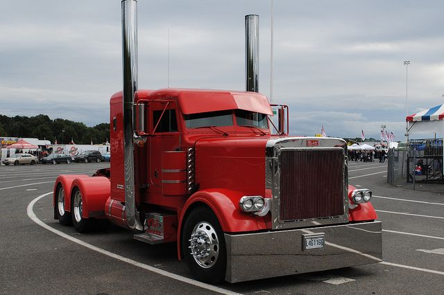 custom big rigs | Custom Peterbuilt Big Rig