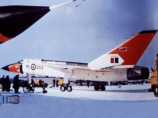 AVRO CANADA CF-105 ARROW www.canadianwings.com