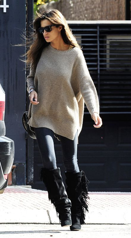 Oversized sweater and fringed boots