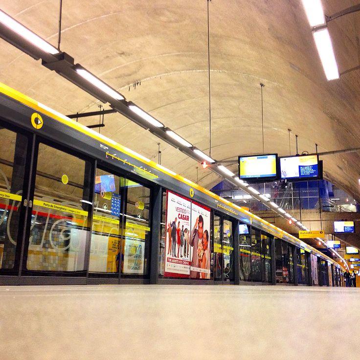 #station #metro #subway #gate #mindthegap #estacao