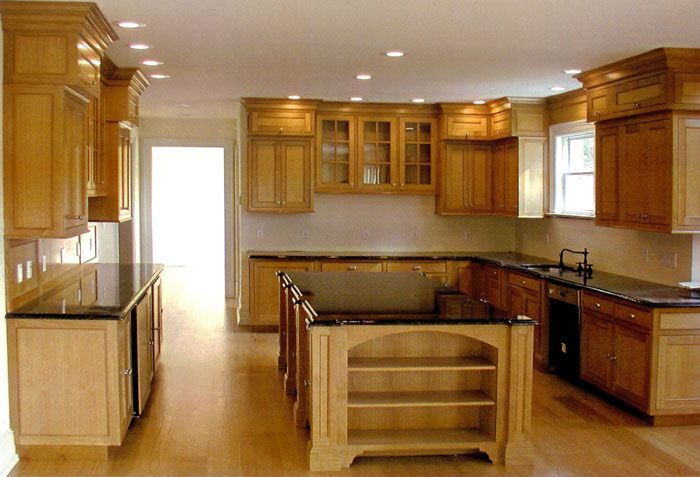 kitchens with oak cabinets
