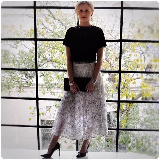 Your Sunday touch of elegance. When you mix a flea market buy with designer wear. Magic! The gorgeous @taylah.milligan styled by @style_engine #Maticevski skirt, vintage fringe top, #H&M earrings, #Kookai clutch, #Ninewest heels #vintagesilver  bangles #styleinspo #australianfashion  #autumnstyle #style #melbournestylist #fashion  #style  #timelessstyle #melbourne #pursuepretty #fashionstyle #fashiondiaries #styleinspiration #stylist #flatlay #ootd #girlgang #ausblogger  #glamour…