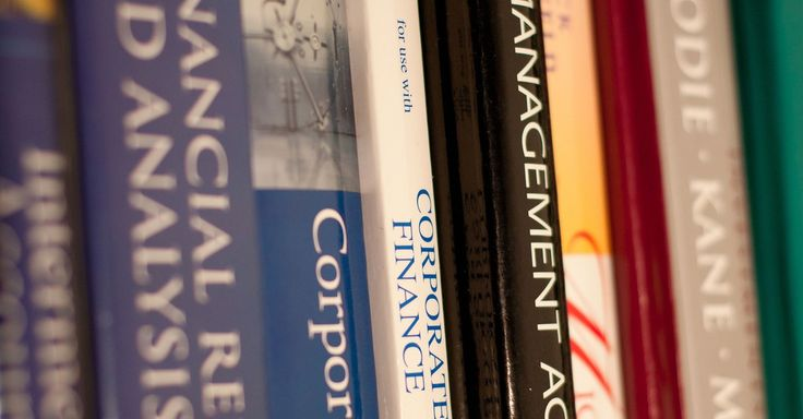 Summer is almost over. Here are the best sites for snagging a great deal on your fall semester textbooks online.