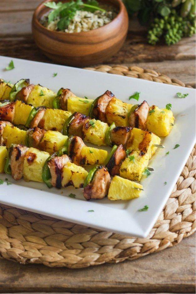 Espetão de frango e abacaxi.   15 receitas deliciosas para você testar neste fim de semana