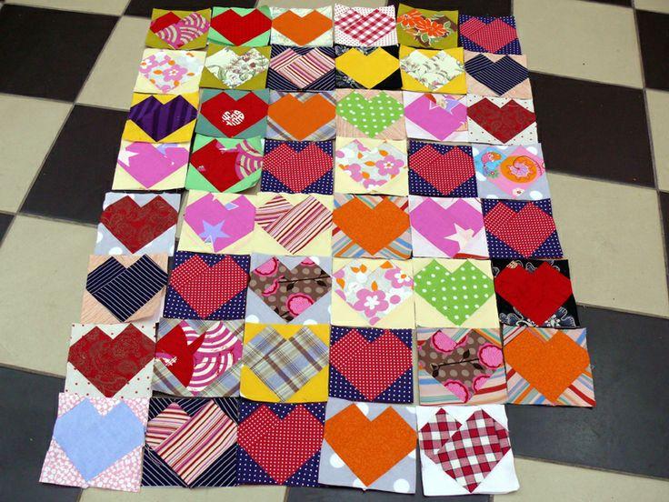 Czym się różni patchwork od quiltingu? Co to jest crazy patchwork? Jak szyć metodą PP? Zajrzyjcie do naszego Poradnika i dowiedzcie się więcej o patchworku