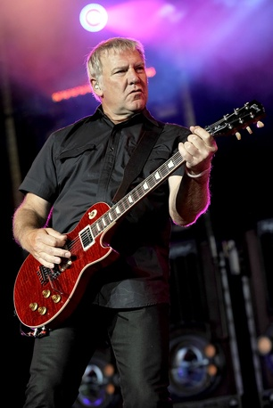 Alex Lifeson.  Wish I could do what he does.  Absolutely inspirational.