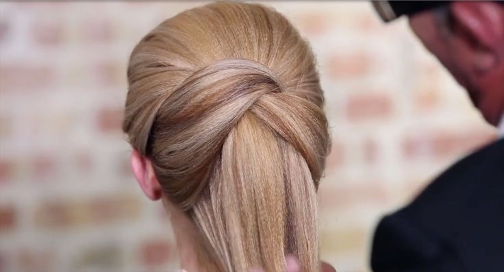 How-To: Crossover Loop Ponytail from Sam Villa