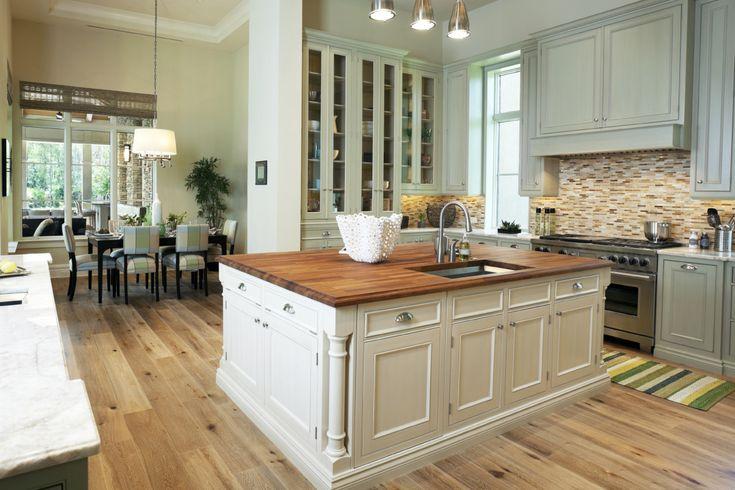 Деревянный пол на кухне: плюсы и минусы