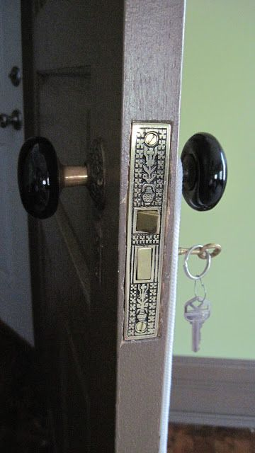 How to get that authentic Victorian lock set on the cheap! | 1889 Victorian House Restoration