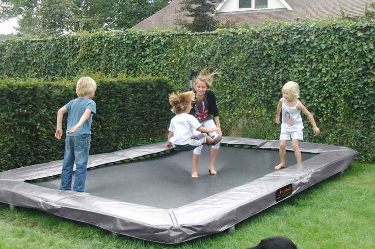 Maatrampoliini on hyvä vaihtoehto perinteiselle pyöreälle trampoliinille