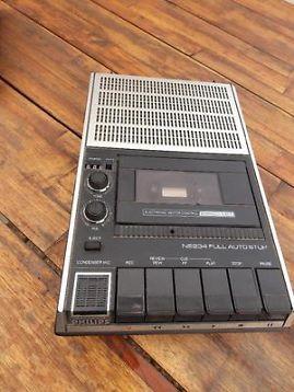 Cassette recorder, je kon je stem opnemen en als je terug luisterde dacht je ben ik dat?