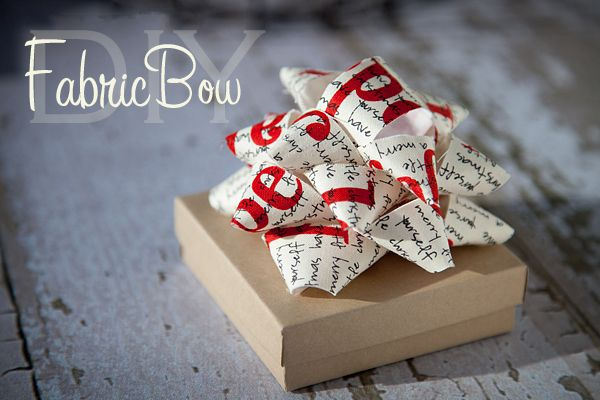 :): Crafts Ideas, Gifts Ideas, Gifts Bows, Fabric Bows, Fabrics Bows Tutorials, Holidays Gifts, Gifts Wraps, Make Bows, Diy