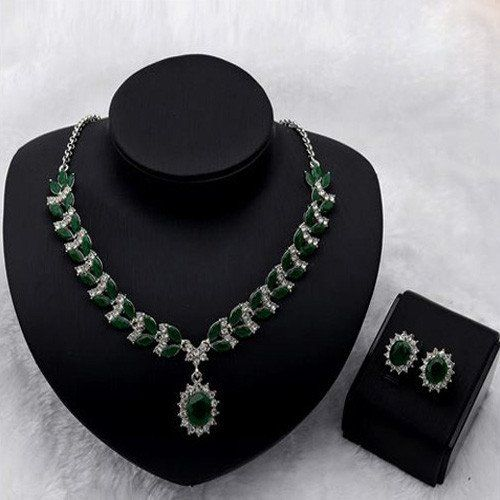 Beautiful and Elegant 18KPG Simulated Emerald Diamond Necklace and Ear – UCHARMME.co.nz