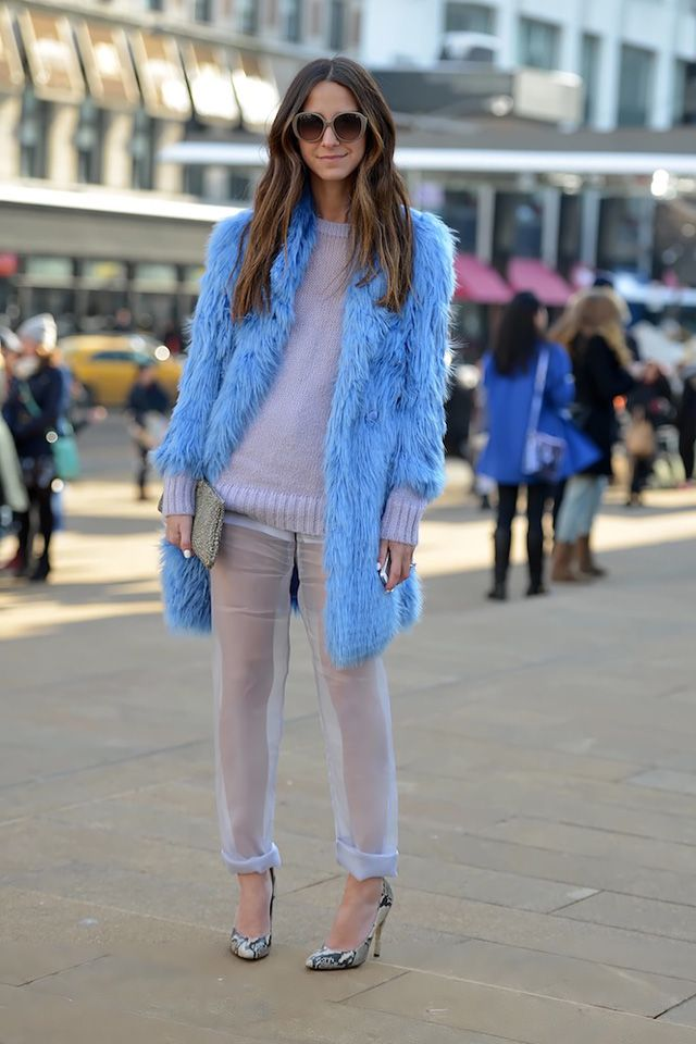 I want to be this girls friend. Ultraviolet fur coat with some sheer pants. Street style  #mizustyle