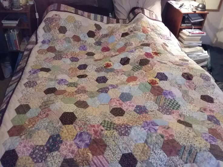 Hexagon quilt, finished April 2017