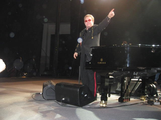 Yes thats Elton John. Yes I took this picture. And yes I got his autograph on three - yes THREE - vinyl album sleeves..... best night ever