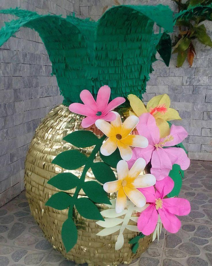 piñatas~Pineapple piñata