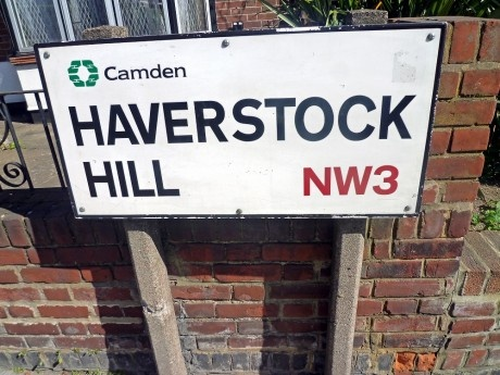 Two enclaves of shops to browse around on Haverstock Hill – Steeles Village and the area around Belsize Park.  You will find kitchen, bathroom, carpet and glazing stores plus some nice places to eat.