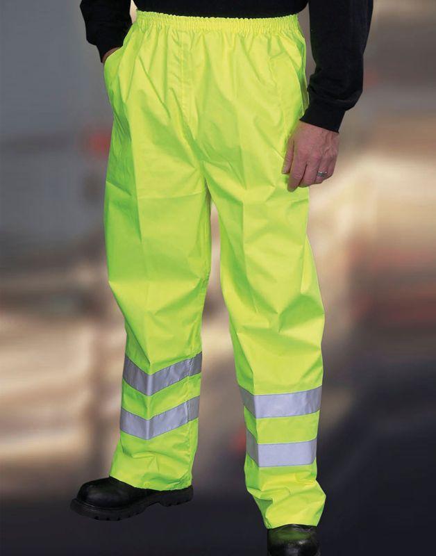 Abbigliamento da lavoro di sicurezza ad alta visibilità. Tute, pettorine, gilet e molto altro per segnalare la tua posizione da lontano. Acquista i tuoi capi alta visibilità a prezzi scontati su gecoshopping.