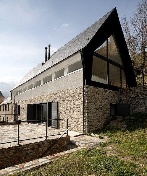 La munte: casă tradiţională cu elemente moderne | CasaMea.ro