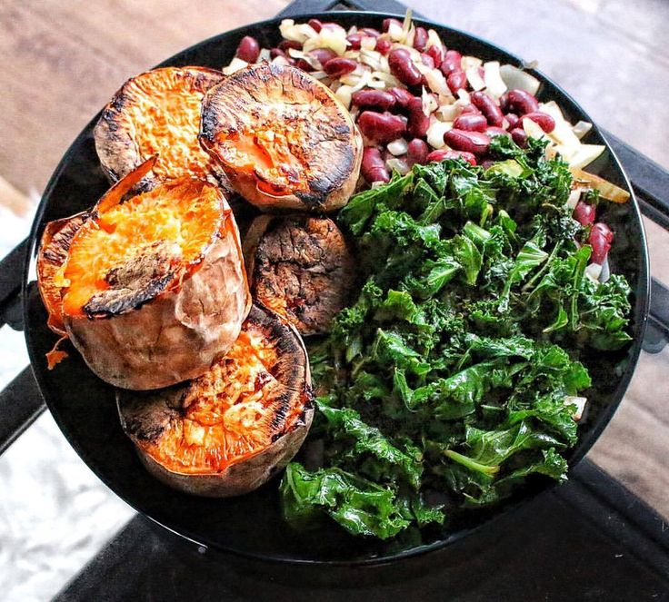 "iamveganna: ""jennacawthray: "" My kind of epic meal time…🍴 1 large baked sweet potato + 4 cups of kale sautéed with 1tsp coconut oil and coconut aminos + 400g red kidney beans fried with onion, lemon..."