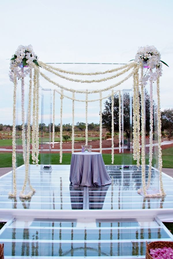 Amazing ceremony setup http://www.prettymyparty.com/elegant-florida-wedding-part-1/  #themodernjewishwedding.com