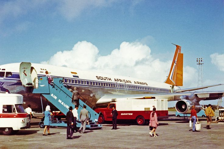 South African Airways Boeing 707, Johannesburg to Sydney Australia, stop over at Mauritius August 1972.