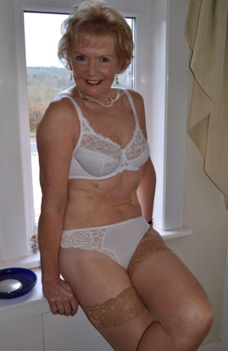 sexy gilf wet panties