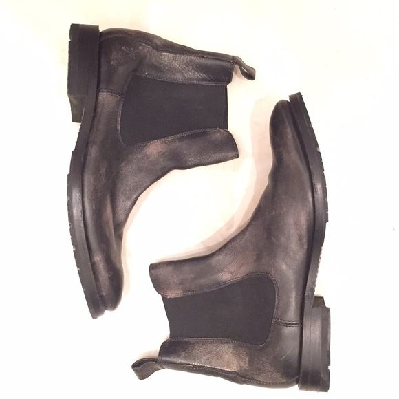 FRYE leather CHELSEA BOOTS! Distressed BLACK! Amazing Chelsea boots by FRYE! All leather amazing boots! Leather is distressed and feels perfect! Boots have been worn but in great condition. These are a men's size 7. Frye Shoes Ankle Boots & Booties