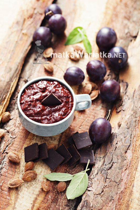 plums with dark chocolate