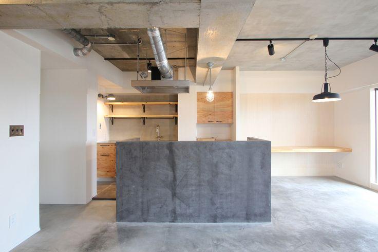 LIVING/DINING/KITCHEN/tile/counter/ mortar/リビング/ダイニング/キッチン/タイル/モルタル/カウンター/棚/フローリング/リノベーション/フィールドガレージ/FieldGarage Inc.