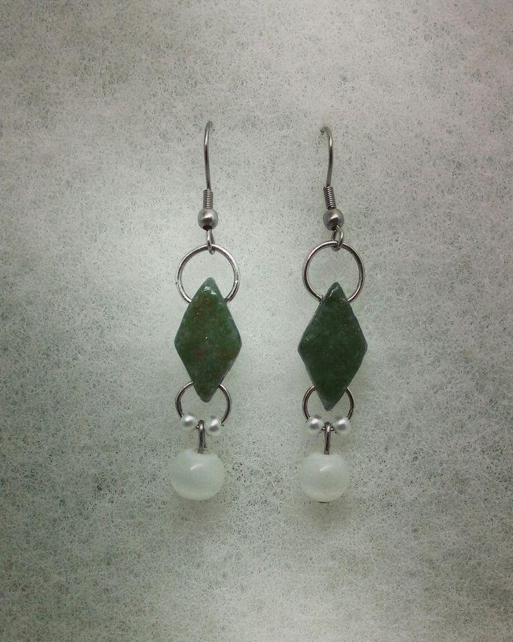 Сделала сережки из зеленого камня авантюрина:)