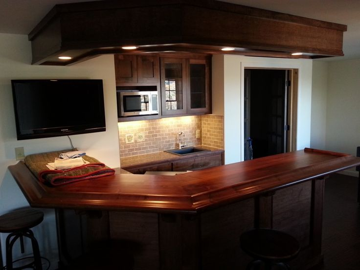 Best 25+ Small basement bars ideas on Pinterest | In home ...