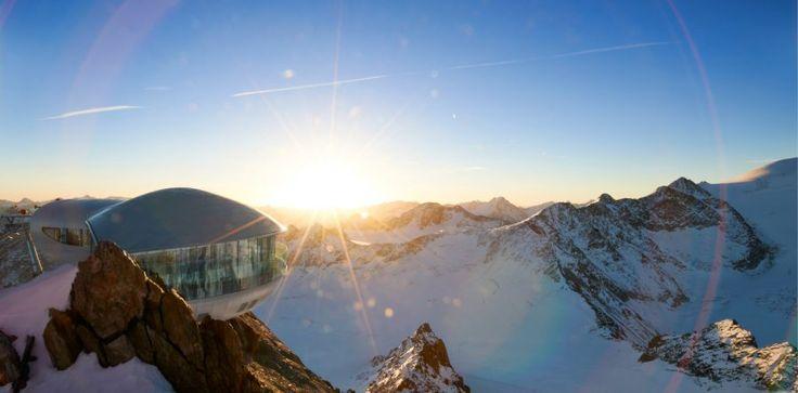 Das höchste Kaffeehaus Österreichs begeistert mit atemberaubender Aussicht und interessanten Fakten. ©Pitztaler Gletscherbahn