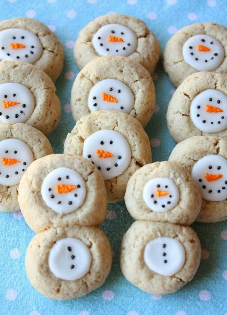Thumbprint Snowman Cookies from Munchkin Munchies
