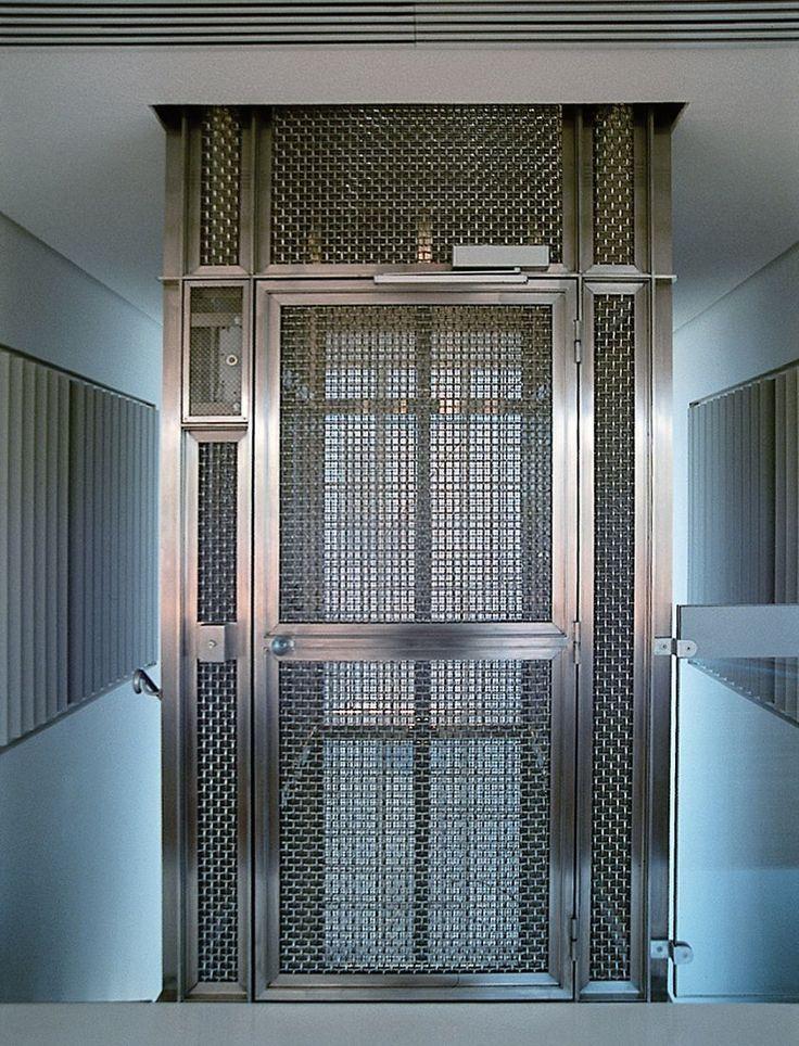 les 25 meilleures id es de la cat gorie ascenseur sur. Black Bedroom Furniture Sets. Home Design Ideas