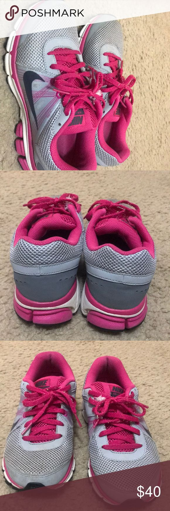 Nike Tennis Shoes Size 6.5 Nike shoes for sell. Do not wear anymore and hardly worn. Super comfortable and super cute! Nike Shoes Athletic Shoes