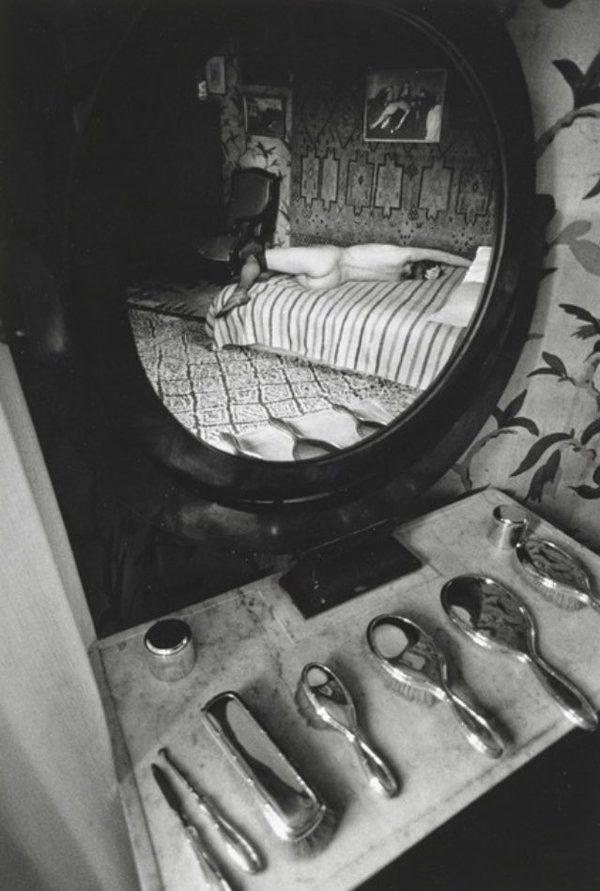 Ina (reflet dans un miroir), 1979 Jeanloup Sieff
