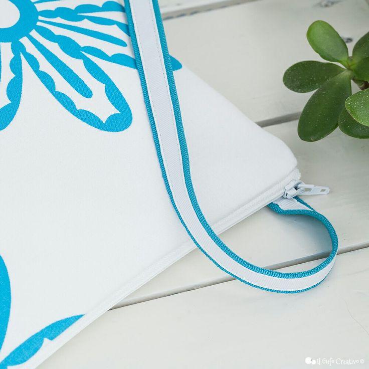 Blue flower small crossbody bag